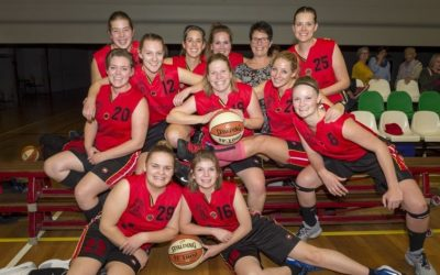 BASKETBALDAMES SILVERTOWN LIONS DRAAIT MEE IN DE TOP